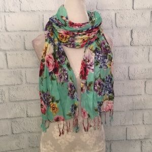 NWOT gorgeous mint green floral scarf